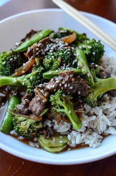 Easy Crock Pot Beef and Broccoli Recipe with Snow Peas! This slow cooker Asian-inspired recipe is easy to make and tastes delicious! Easy Slow Cooker Crock Pot Beef & Broccoli Recipe! One of the best crockpot freezer meals you can make!