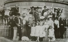 The Hesse Darmstadt family with their Russian relatives. In the front Olga, a niece, Tatiana, Anastasia and Maria