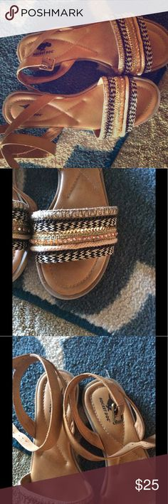 Gorgeous beaded Rocket Dog sandals Beautifully detailed rocket dog sandals - thick threaded straps with beaded detailing. Only worn one time. Very true to size. Rocket Dog Shoes Sandals