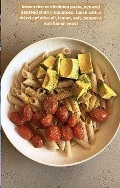 Healthy Meal Prep, Healthy Snacks, Healthy Eating, Think Food, Love Food, Vegetarian Recipes, Cooking Recipes, Healthy Recipes, Food Combining