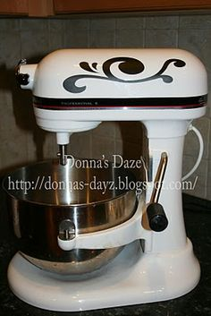 My all white kitchen aid will stand out in the new kitchen, so this is an option I'm considering.