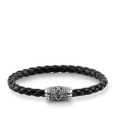 Bangles, leather straps and silver bracelets for men ensure coolness on the wrist. Discover men's bracelets by THOMAS SABO now Dragon Bracelet, Skull Bracelet, Heart Bracelet, Thomas Sabo Bracelet, Bracelets For Men, Bangle Bracelets, Bracelets En Argent Sterling, Rebel, Leather Bracelets