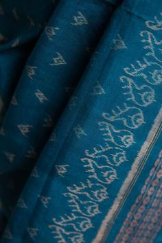 #Tie and #Dye #Birdies on #Blue Saree #handwoven #odisha
