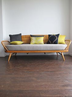 ercol daybed.