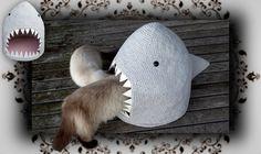 DIY  Hai Häkel Höhle für Katzen   crochet shark for cats