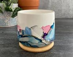 Alcohol Ink Tiles, Alcohol Ink Crafts, Alcohol Ink Painting, Unique Candle Holders, Unique Candles, White Ceramic Planter, Painted Plant Pots, Create Picture, Resin Tutorial