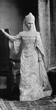Madame Hall, née Princesse Galitzine IMPERIAL RUSSIA WINTER PALACE BALL~ 1903. The last imperial ball before the Bolshevik Revolution. Elaborate embroidered and bejeweled costumes with jeweled tiaras .