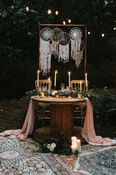 Get lost in the beautiful woodland today thanks to this gorgeous woodland wedding inspiration editorial sent over to us by Stephanie Dreams Photography. Bohemian Wedding Decorations, Whimsical Wedding, Bohemian Weddings, Bohemian Bride, Indian Weddings, Wedding Table Settings, Table Wedding, Wedding Ideas, Farm Wedding