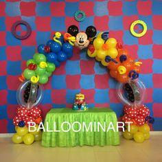 Mickey and friends balloon arch Balloominart