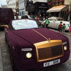 Luxury Cars : Illustration Description Speechless… What an amazing color… And that touch of gold is fabulous!!!!