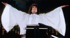 9 de julio – Hoy hubiera cumplido 68 años Bon Scott y para recordarlo que mejor manera que volviendo a ver sus mejore videos