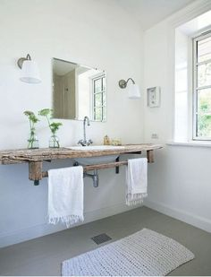 Los baños de estilo rústico cuentan con un sabor especial. Una estética que nos hace remontarnos al pasado, viajando a través de texturas como ... Dream Bathrooms, Rustic Bathrooms, Beautiful Bathrooms, Guest Bathrooms, Rustic Bathroom Vanities, Rustic Vanity, Reclaimed Wood Vanity, Wooden Vanity, Reclaimed Timber