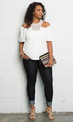 Curvalicious Clothes :: Plus Size Tops :: Cali Crochet Top - Ivory Curvy Outfits, Plus Size Outfits, Trendy Outfits, Plus Zise, Look Plus, Curvy Girl Fashion, Plus Size Fashion, Full Figure Fashion, Girl With Curves