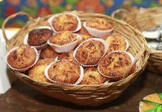 Festa infantil junina - Delícias juninas como as saborosas queijadinhas são essenciais para o cardápio da festa! Todos os doces do aniversário foram feitos pelo Buffet Refazenda.