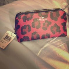 Coach small bag Great for makeup or traveling Coach Bags Cosmetic Bags & Cases