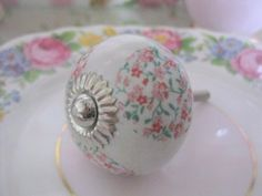 Pretty vintage ditsy pink floral ceramic drawer handle KNOBS furniture pull sold by Vintage Pink: Amazon.co.uk: Kitchen & Home