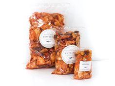 Bolsa de papas fritas con cacahuates japoneses y golos