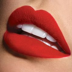 Gorgeous matte red lips | #Ciaté Liquid Velvet in Risqué | #Sephora Beauty Board