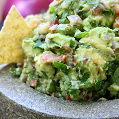 Simple Healthy Guacamole recipe is incredibly fresh and flavorful. Authentically made with chunky avocados and tomatoes. This will spoil you for all other guacamoles. Mexican Food Recipes, Vegetarian Recipes, Cooking Recipes, Healthy Recipes, Cooking Ham, Cheap Recipes, Healthy Snacks, Healthy Eating, Healthy Dishes