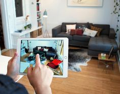 Os 5 melhores aplicativos de realidade virtual e realidade aumentada para arquitetos,O aplicativo Pair permite aos arquitetos arrastar e soltar modelos 3D de mobiliário e equipamentos em seus projetos usando iPhones ou iPads. © Pair