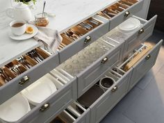Kitchen interior organizers can help turn even the messiest of drawers into organized and efficient storage. From waste sorting to cookware organizing, IKEA kitchen interior organizers will make your everyday cooking routine easier. Kitchen Redo, Kitchen Remodel, Kitchen Cabinets, Ikea Kitchen Drawers, Grey Ikea Kitchen, Küchen Design, House Design, Kitchen Interior, Ikea Interior