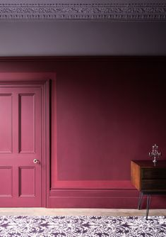 Wall: Grenache 372 – Pure Flat Emulsion Door and Woodwork: Grenache 372 – Architects' Eggshell Highlight: Geisha 410 – Pure Flat Emulsion Ceiling: Lady Char's Lilac 368 – Architects' Matt