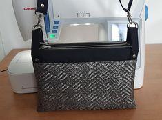 Sac triple ChaChaCha toile à sac noire, simili cuir titane de Christelle - Patron sac Sacôtin