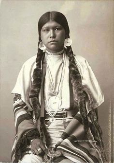 Yakima Native American Woman, I love the layering of clothes and jewlery.
