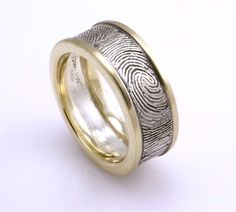 any style, print in or out, doesn't matter....love this idea.  http://creamsoda.hubpages.com/hub/5-Stunning-Out-of-the-Box-Wedding-and-Engagement-Ring-Ideas