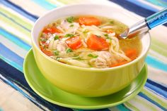 Slow Cooker Chicken Noodle Soup - 121 calories, carrots, celery, and chicken does the body good after a long day. #lowcal #soup #skinnyslowcooker