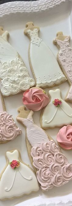 Wedding Dress Cookies #bridal #shower #cookie Bellisimas galletas decoradas con vestido de novias