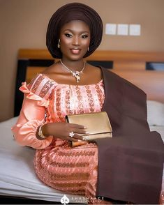 African Wear, African Attire, African Women, African Lace Dresses, African Fashion Dresses, Nigerian Fashion, Lace Skirt And Blouse, Nigerian Bride, Hot Hair Styles
