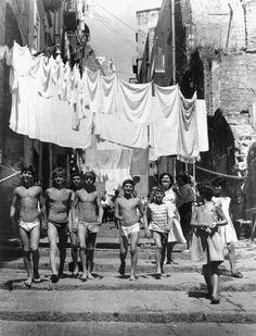 Nino Migliori - Wash day, 1950's. S)