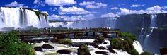 """Foz do Iguaçu é uma bela cidade localizada no estado do Paraná, no Brasil, justamente na fronteira com a Argentina e o Paraguai.   Sua importância a nível mundial é evidente, devido as suas riquezas naturais é um dos cinco destinos mais visitados da América do Sul. O nome Foz do Iguaçu provém do guarani e significa """"água grande"""", em referência as suas enormes quedas d'água.  http://www.bestday.com.br/Foz-do-Iguacu-Brasil/"""