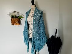 Crochet the April Showers Shawl with this free and easy pattern! There are instructions for sizing included for Youth sizes to Crochet Shawl Free, Crochet Shawls And Wraps, Crochet Scarves, Crochet Clothes, Crochet Sweaters, Crochet Vests, Crochet Cowls, Crochet Beanie, Crochet Motif
