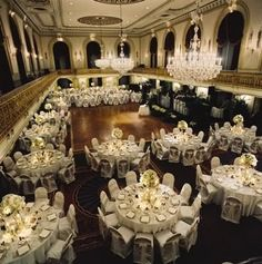 Weddings are simply stunning when held at the Omni William Penn Hotel; its interiors gives elegance and regality to any affair! Rooms from $289 per night.