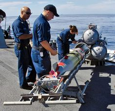 Mk-46 Mod.5A recoverable exercise torpedo (REXTORP) was loaded into a Mk-32 torpedo tube aboard USS O'Kane (DDG 77)