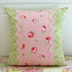 Pillows = Almofadas