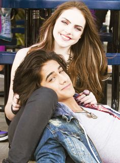 14 Pics That Will Make You Miss Beck and Jade's 'Victorious' Relationship