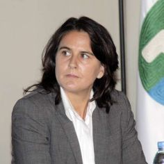 Former Wimbledon Champion Conchita Martínez at a news conference, not long after she was appointed Davis Cup Captain for Spain in 2015. Conchita had already been serving as Fed Cup Captain for Spain, and with her impressive track record, Conchita was the right fit for the job.