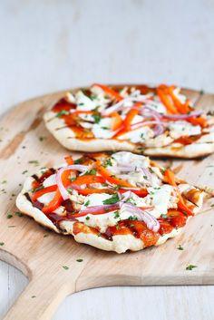 Smoky Grilled Barbecue Chicken Pizza #recipe #pizza #bbq