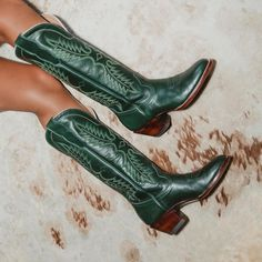 Cowboy Boot Outfits, Suede Cowboy Boots, Cowboy Boots Women, Cute Cowgirl Boots, Cowboy Shoes, Black Cowboy Boots, Green Boots, Boots For Women, Dr Shoes