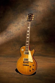 1959 Gibson Les Paul Standard # 9-1951. This guitar is known as the Skinner burst and has been renamed Principal Skinner by me.