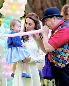 Catherine, Duchess of Cambridge and Princess Charlotte at a children's party for Military families during the Royal Tour of Canada on September 29, 2016 in Victoria, Canada. . #katemiddleton #duchessofcambridge #princesscharlotte #royalvisitcanada