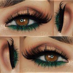 Vestido verde con maquillaje