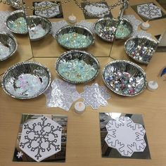 """Snowflake """"Finger Gym"""" with Loose Parts (from TishyLishy on… Motor Activities, Creative Activities, Kindergarten Activities, Eyfs Activities, Snow Theme, Winter Theme, Christmas Activities, Christmas Crafts, Finger Gym"""