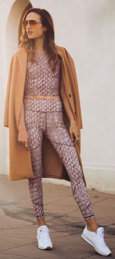 Camel Coat / White Sneakers / Pattern Top & Skinny Pants
