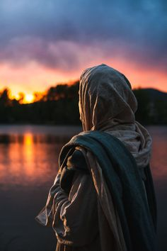 A Moment With Christ - Photographs of the Savior Jesus Christ Lds, Jesus Christ Images, Jesus Art, Savior, Pictures Of Christ, Islamic Paintings, Islamic Girl, Stylish Girl Images, Beautiful Hijab