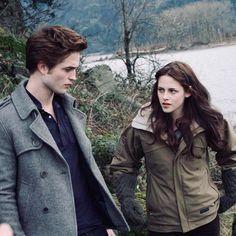 84 Likes, 0 Comments - « « Shut up Twilight 2008, Twilight Saga Series, Twilight Series, Twilight Movie, Twilight Bella And Edward, Edward Bella, Bella Cullen, Robert Pattinson Twilight, Robert Pattinson And Kristen
