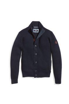 #FridaysFavourite | Cosy blue cardigan #bugattifashion #knitwear #menswear #perfectwinterpiece